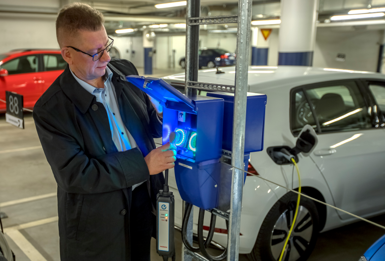 Parking Energy introduces a revolutionary solution for real-estate electric vehicle charging