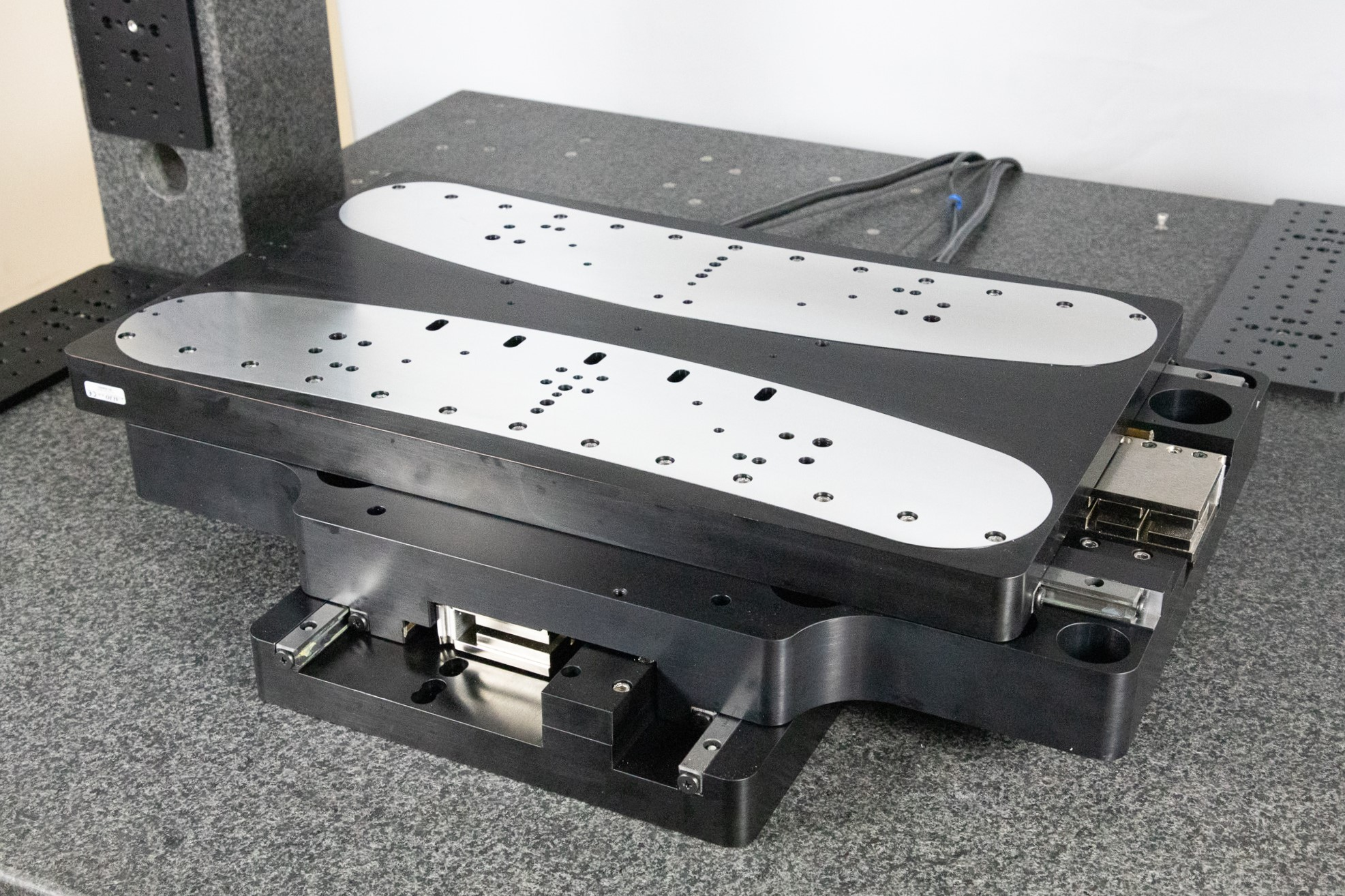 ALIO Industries has just announced another innovative nanomater-level precision positioning solution, its new Asymmetric XY stages